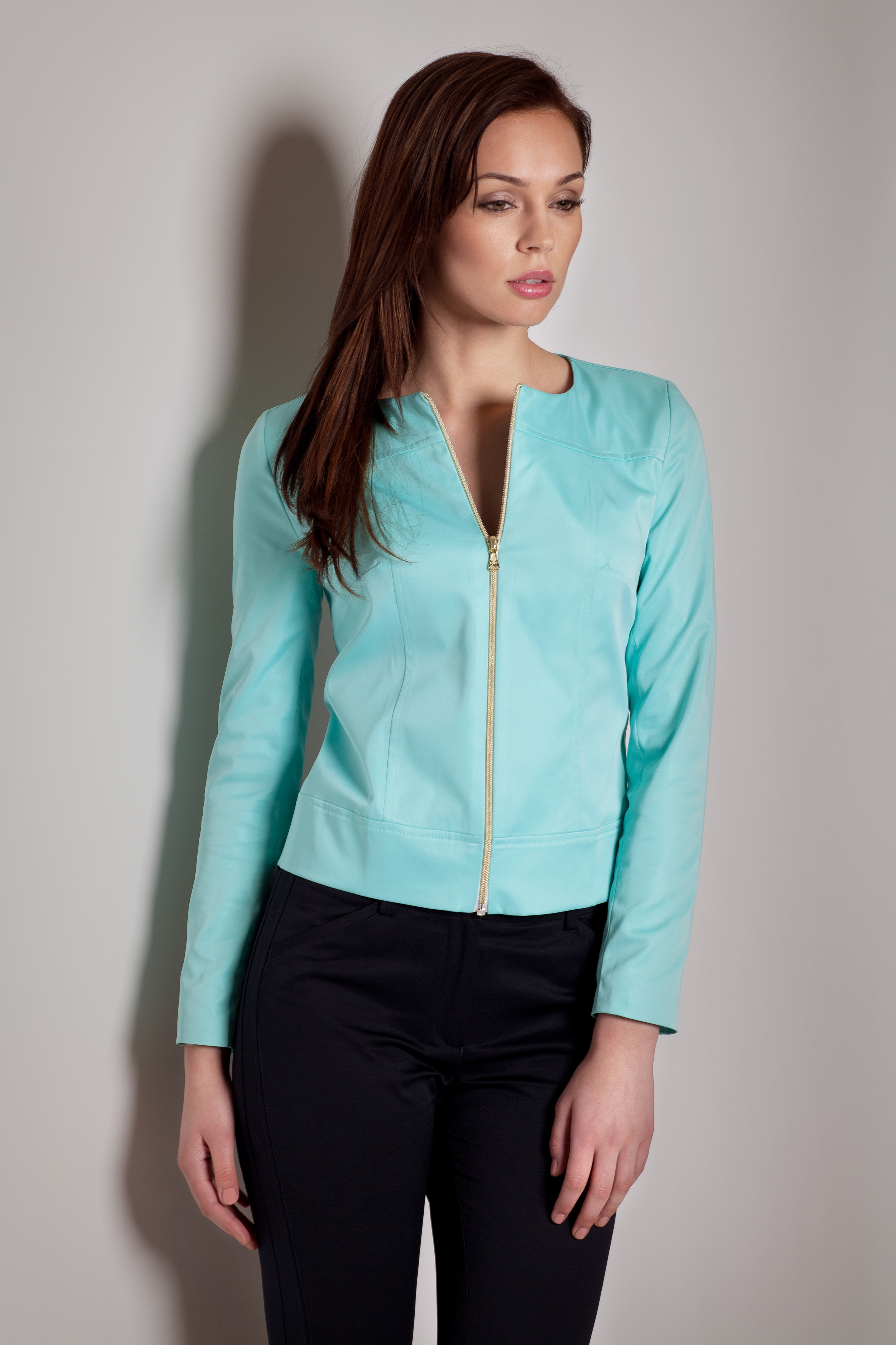 Jacheta moderna de stofa verde deschis cu fermoar